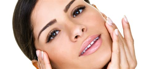 Sécurisés et efficaces médicalement, composés avec des produits haut de gamme, les cosmétiques Universkin favorisent des résultats cutanés pérennes et naturels avec des traitements sur mesure et de grande qualité !